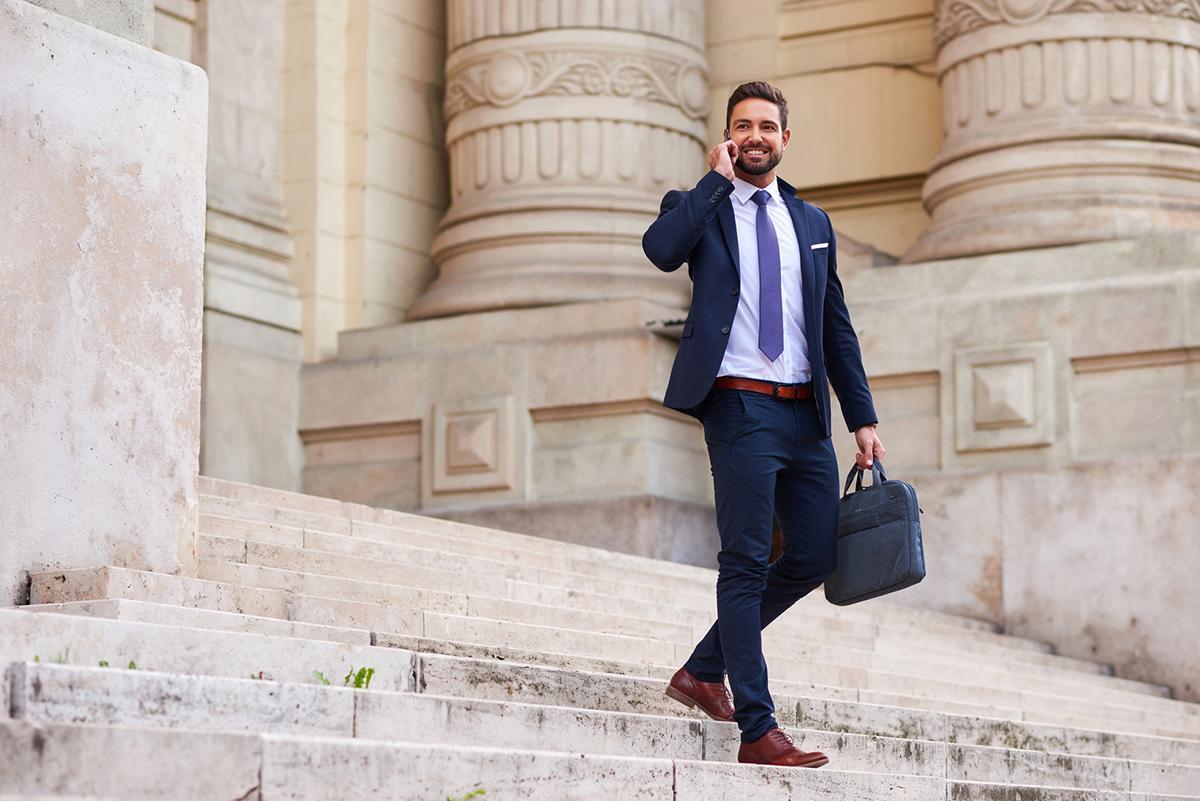 a551ac674176 Bardzo ważne jest aby pasek do spodni był w identycznym kolorze jak buty  wyjściowe